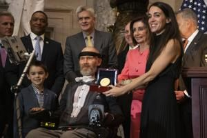 Ex-NFL player Steve Gleason honored by Congress for ALS work