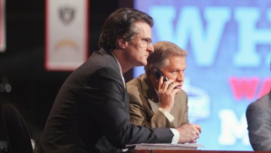 NFL Draft expert Mel Kiper has a truly bizarre approach to eating pizza