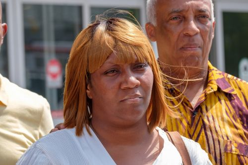 Man shot in face by NYPD cop now conscious, can't speak: mom