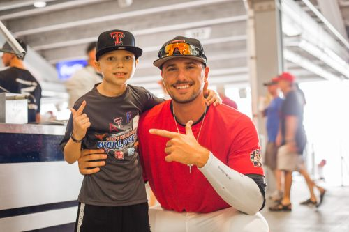 Cal's wish comes true: 7-year-old lymphoma patient meets Texas Tech pitcher