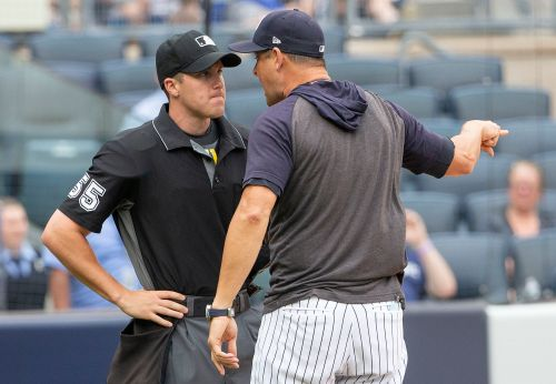 Aaron Boone: Umpire showed more 'class than I did' during rant