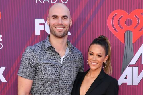 Jana Kramer about to have 'nervous breakdown' after husband's nude photo debacle