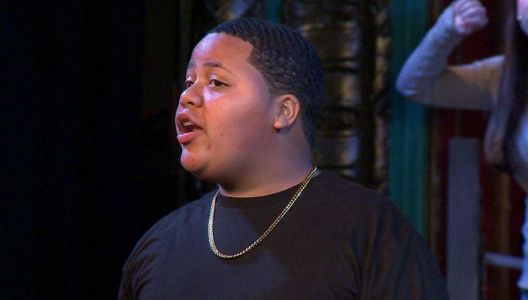 Teenager's spectacular singing voice earns him scholarship