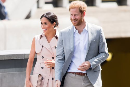 Meghan Markle and Prince Harry pay tribute to Nelson Mandela