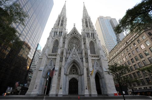 Catholic priests kept their jobs despite sexual abuse claims: suit
