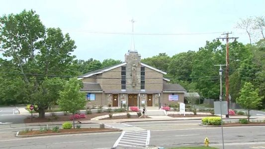 More churches reopening in Mass. this weekend, but many remain closed