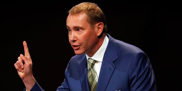 'Bond King' Jeff Gundlach says the Fed may start expanding its balance sheet after injecting $128 billion into markets