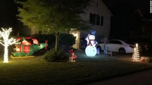 Texas family told to take down Christmas decorations