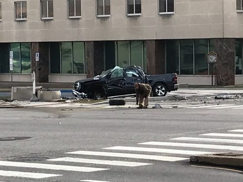 Accident closes Forster Street in Harrisburg