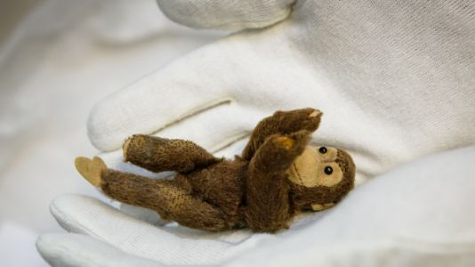 A Toy Monkey That Escaped Nazi Germany And Reunited A Family