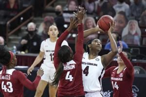 No. 4 South Carolina, Boston beat No. 15 Arkansas 104-82