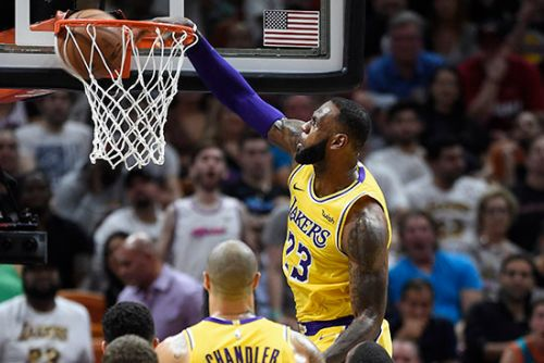 LeBron James drops 51 points in victory over former team