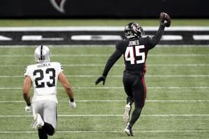 Jones returns pick for TD, Falcons rout Carr, Raiders 43-6