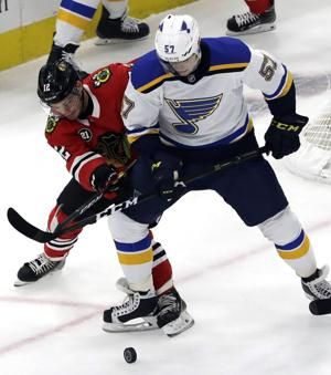 Blackhawks end 8-game skid, beat Blues 1-0