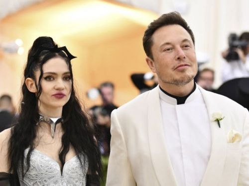 If his biggest fear is being alone, then why does billionaire Elon Musk act like an opera diva ?