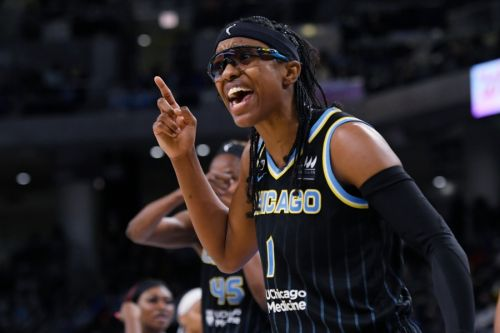 Chicago Sky look to close out Mercury and win first WNBA title