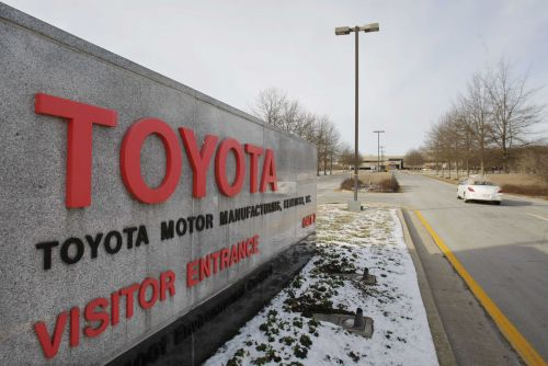 Toyota to hire 400 workers at Kentucky plant