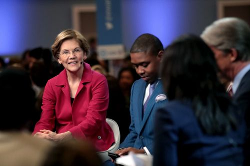 Boston Globe endorses Warren a year after urging her not to run