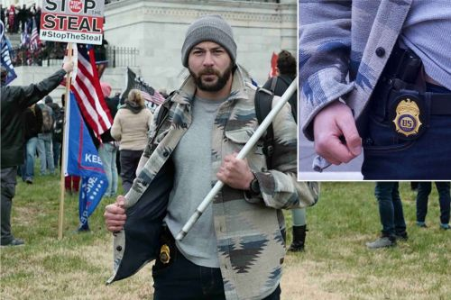Ex-DEA agent allegedly posed on Capitol grounds with official firearm during riot