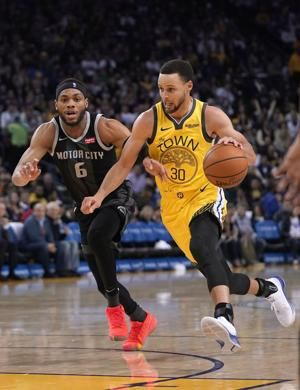 Curry returns to score 26 and Warriors beat Pistons