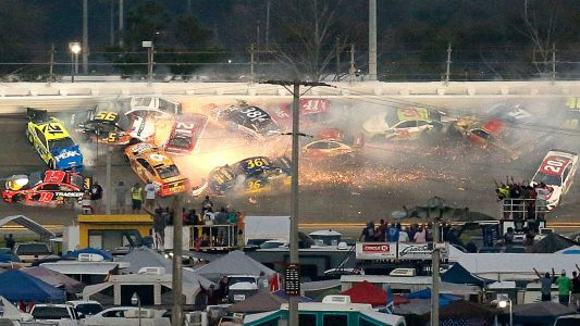 Daytona 500 2019: Denny Hamlin wins crash-filled race, honoring late J.D. Gibbs