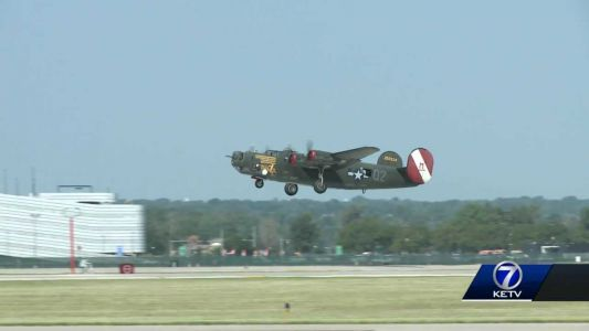 """Veterans, aviation enthusiasts meet at """"Wings of Freedom"""" tour"""