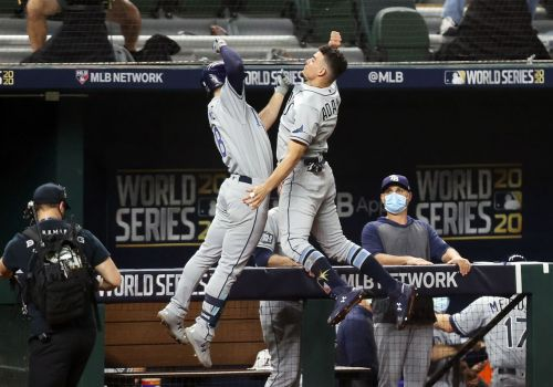 Tampa Bay Rays hold on to tie World Series, 1-1