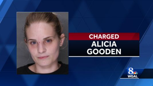 Police: School cafeteria worker had heroin in purse