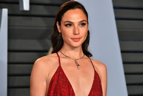 Gal Gadot to produce, possibly star in Fidel Castro journalism drama