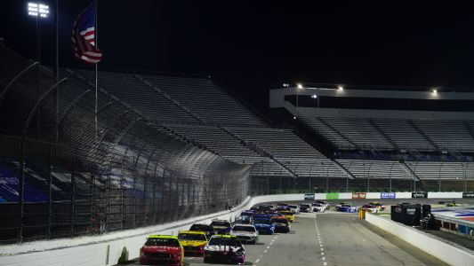 What time does the NASCAR race start today? TV schedule, channel for Martinsville night race