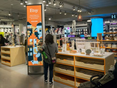 Etsy is expecting this year's high-stakes online shopping season to level the playing field with major retailers like Amazon who may get caught in a logistics nightmare