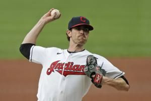 Bieber eager to talk new contract with Indians