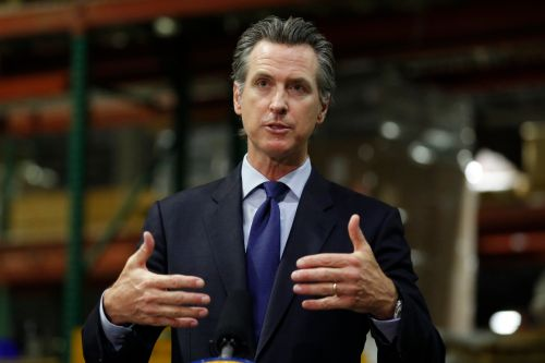 Newsom will apply regional stay-home orders in California based on hospital capacity