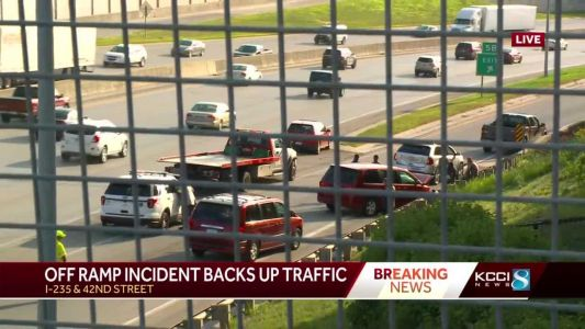 Police: 1 person ejected in 3-vehicle crash on I-235