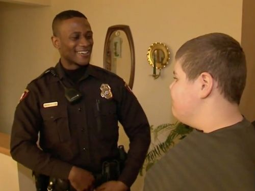 A boy with autism called 911 when he couldn't find his teddy bear and the police officer's response was heartwarming