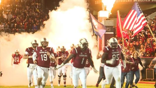 Bentley's 4 TDs lift South Carolina to 49-9 win over Mocs