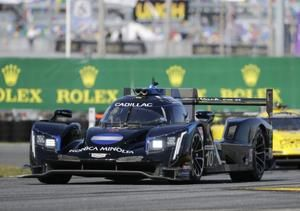 Briscoe blows red light to earn costly penalty in Rolex 24
