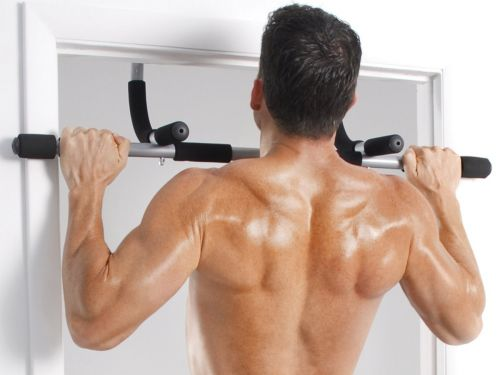 How to safely perform a pull-up in 3 easy steps - and everything you need to do it
