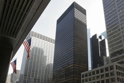 RFR Realty scrambles to replace Wells Fargo at Seagram Building