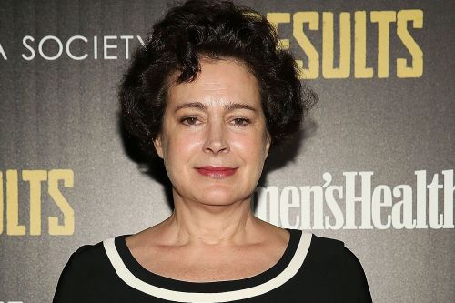 Sean Young wanted by the NYPD for burglary