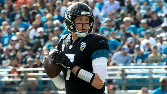 Bears' Nick Foles excited for 'open competition' with fellow QB Mitchell Trubisky