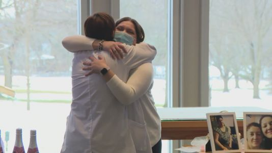 Chicago area nurse fulfills promise to dying patient four years later