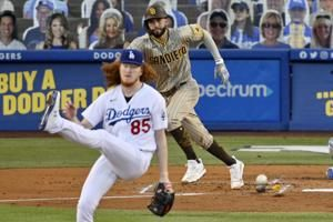 Padres edge light-hitting Dodgers 2-1 on Hosmer's RBI single