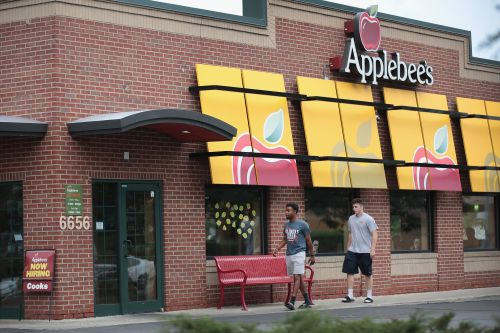 Fast-food chains to end 'no-poach' clauses that capped wages