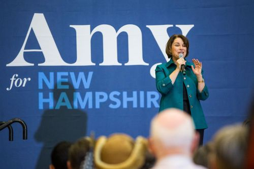 Klobuchar reminisces about McCain in New Hampshire campaign stop