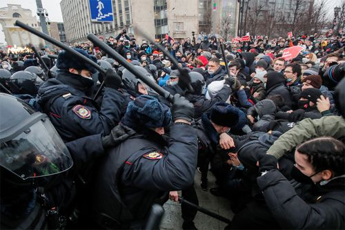 Russian police detain 3,000 people protesting Alexei Navalny's detainment