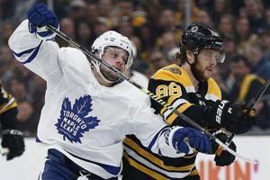 Matthews, Kapanen score late, Maple Leafs edge Bruins 2-1