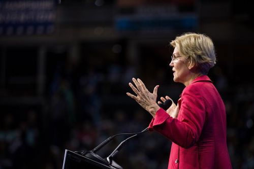Poll: Warren faces high expectations ahead of debate