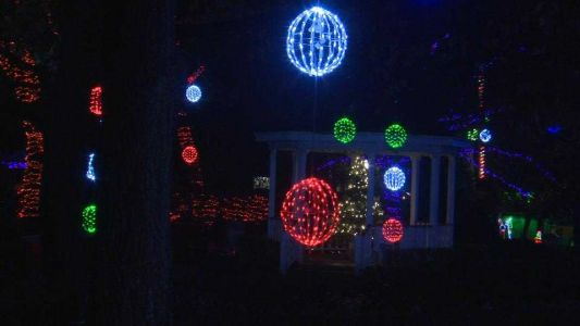 Kennywood Holiday Lights named one of best theme park holiday events by USA Today