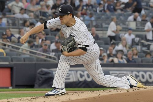 Masahiro Tanaka sparkles in complete-game blanking of Rays